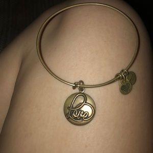 Alex & an I love bracelet